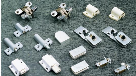五金器具商标注册属于哪一类?